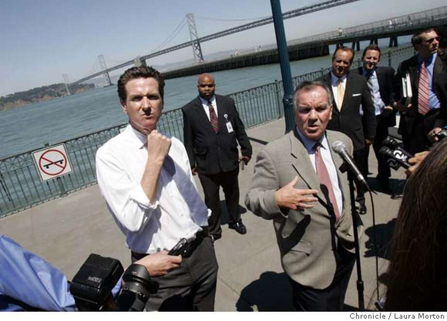 king_column7432_lkm.JPG San Francisco Mayor Gavin Newsom (left) and Chicago Mayor Richard Daly (right) hold a press conference outside the Ferry Building. Laura Morton/The Chronicle MANDATORY CREDIT FOR PHOTOGRAPHER AND SAN FRANCISCO CHRONICLE/ -MAGS OUT Photo: Laura Morton