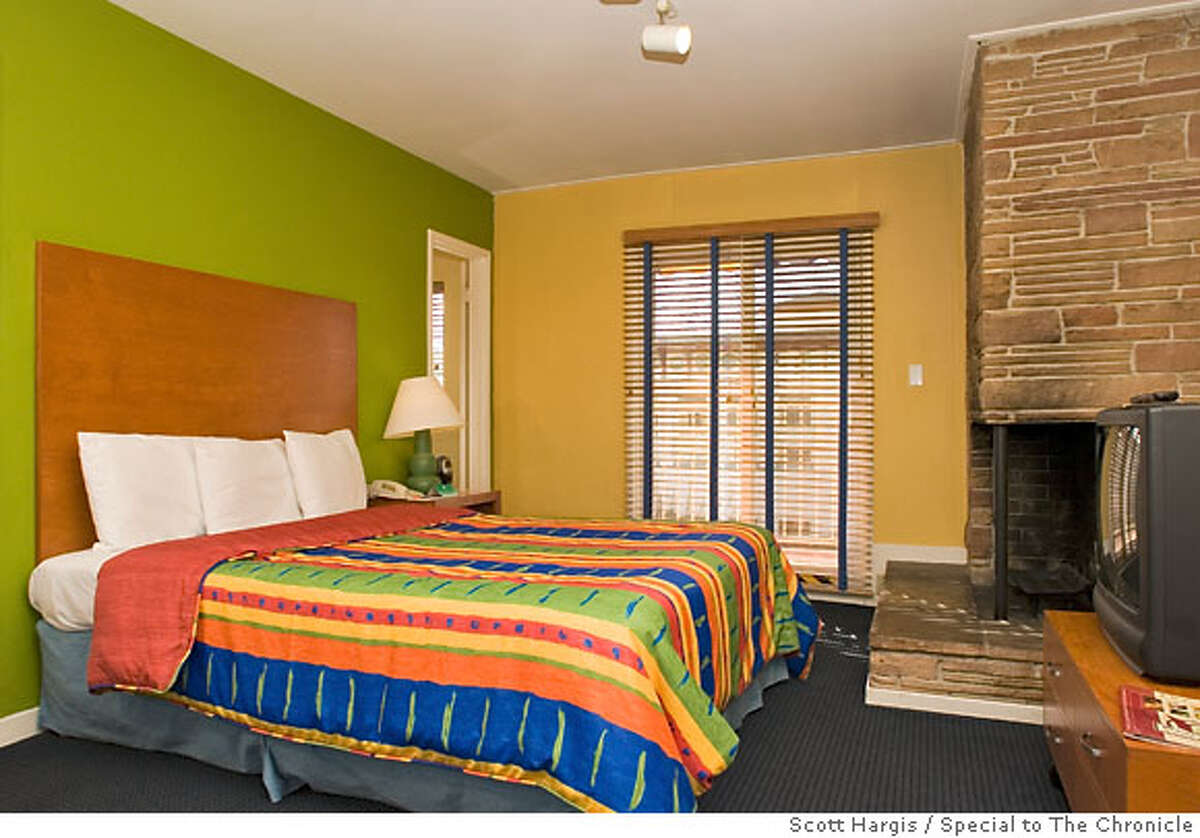 Guest room with Fireplace at Hotel del Sol