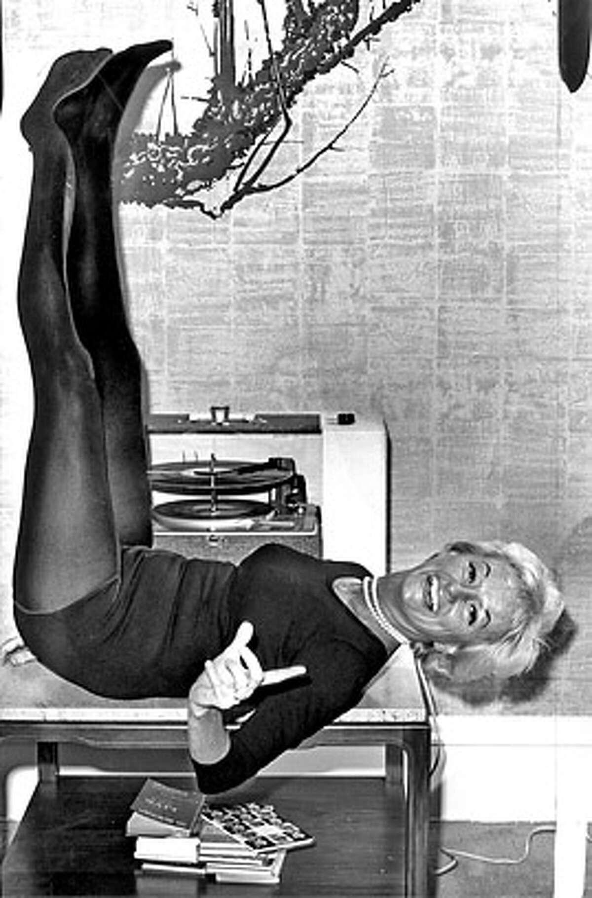 Phyllis Diller, ~1964 no credit info.
