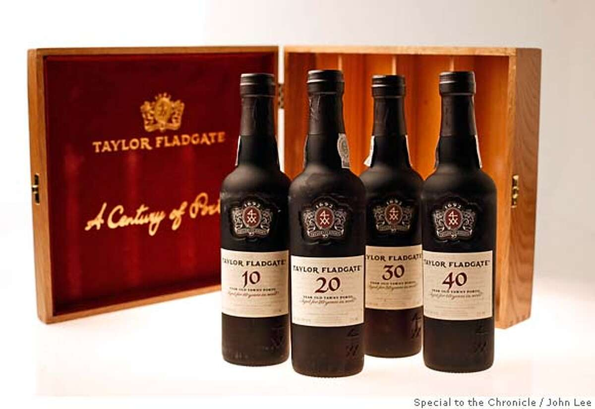 GIFT24_PORT_JOHNLEE.JPG Taylor Fladgate tawny port gift box. By JOHN LEE/SPECIAL TO THE CHRONICLE