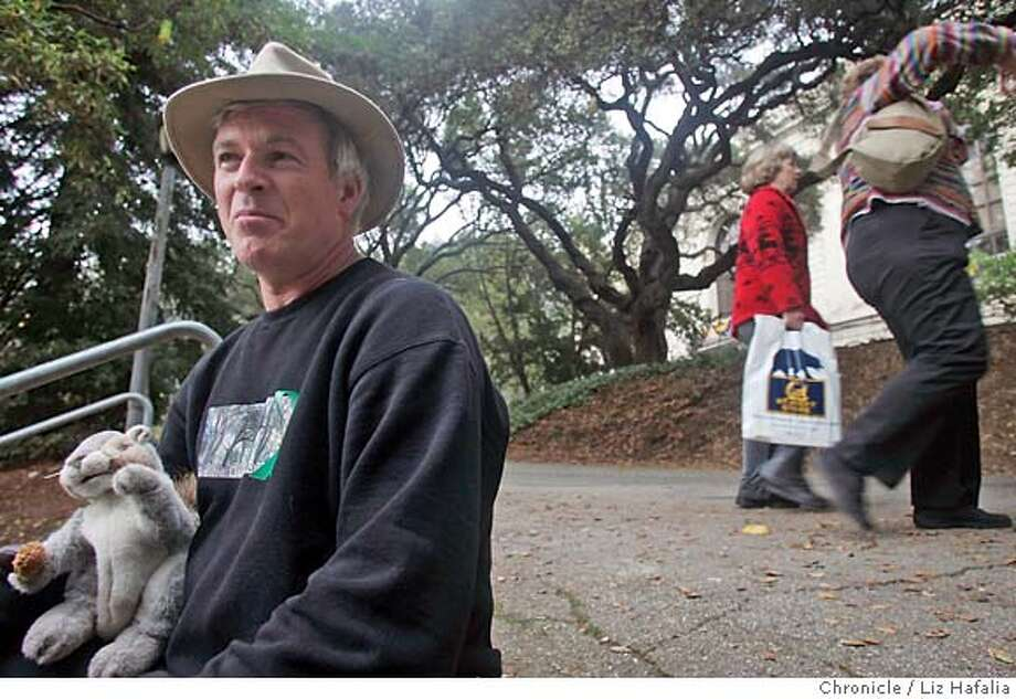 OAKS21_LH_064.JPG Doug Buckwald (left) says that 3000 signatures were collected to save the Oak trees in Memorial Grove. Environmentalists in Berkeley want to save the coast live oaks next to Memorial Stadium called Memorial Grove, some of which are slated to be chopped down to make way for the new athletic training center.  cq--Doug Buckwald  Photographed by Liz Hafalia MANDATORY CREDIT FOR PHOTOGRAPHER AND SAN FRANCISCO CHRONICLE/ -MAGS OUT Photo: Liz Hafalia