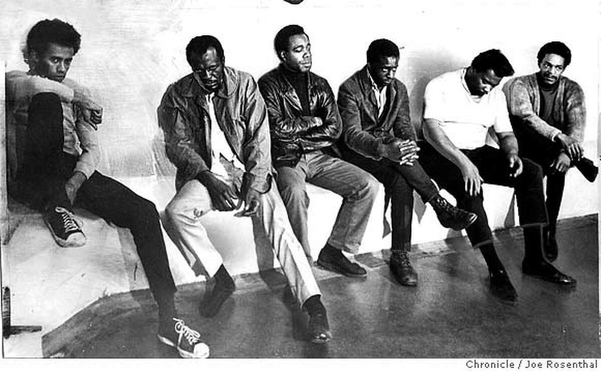 BLACK PANTHERS4/19NOV68/JR - WILLIAM LEE BRENT, WILFRED HOLIDAY, SAMUEL NAPIER, RICHARD E. BROWN, JOHN BOWMAN, RAYMAN LEWIS of the Black Panther. Photo Joe Rosenhal