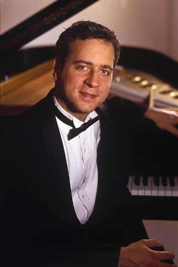 Jeremy Denk, guest pianist, San Francisco Symphony. Photo: Ho