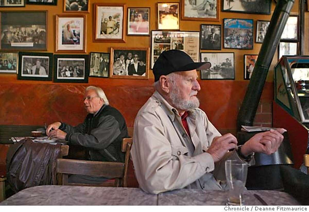 subchaser_0125_df.jpg Poet and publisher Lawrence Ferlinghetti is in one of his favorite places, Caffe Trieste in North Beach. Event in San Francisco on 11/9/06. (Deanne Fitzmaurice/ The Chronicle) Ran on: 11-11-2006 Lawrence Ferlinghetti served a stint as a Navy skipper in World War II. Ran on: 11-11-2006 Lawrence Ferlinghetti served a stint as a Navy skipper in World War II.