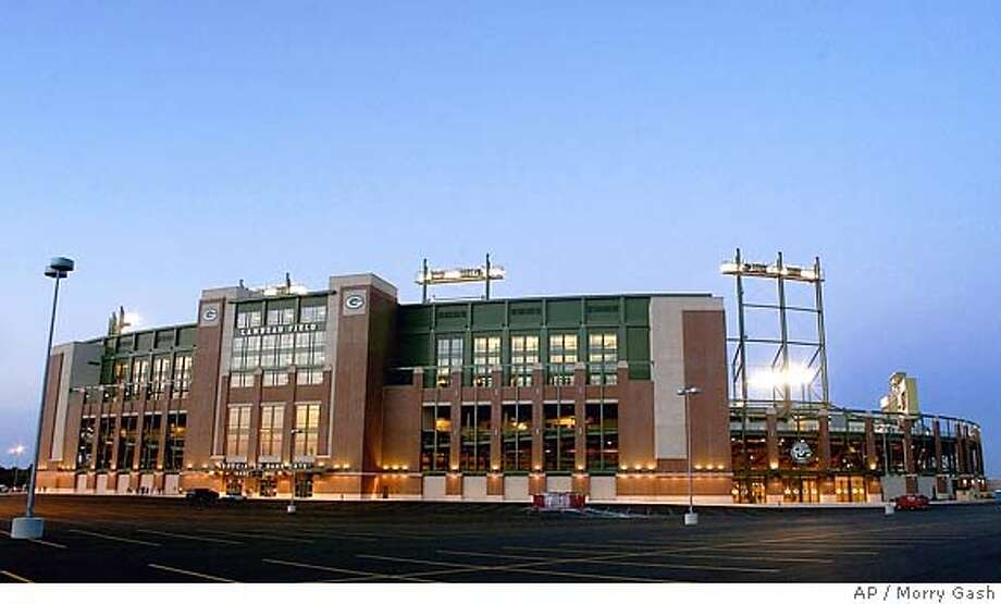 This is an exterior view of Lambeau Field as the Green Bay Packers hold a practice session Monday, July 28, 2003, in Green Bay, Wis. The NFL's smallest town has gone big time with a $295 million makeover of historic stadium. (AP Photo/Morry Gash) Photo: MORRY GASH