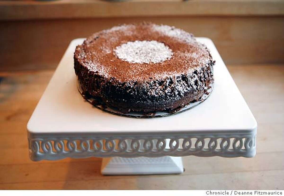 chef01_gage_0113_df.jpg Pastry chef, Fran Gage, makes a flourless chocolate cake in her San Francisco home. Photographed in San Francisco on 10/26/06. (Deanne Fitzmaurice/ The Chronicle) Mandatory credit for photographer and San Francisco Chronicle. /Magazines out.