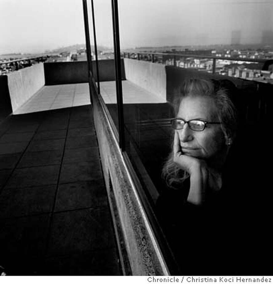 Love family celebrity grief leibovitz puts her life on display
