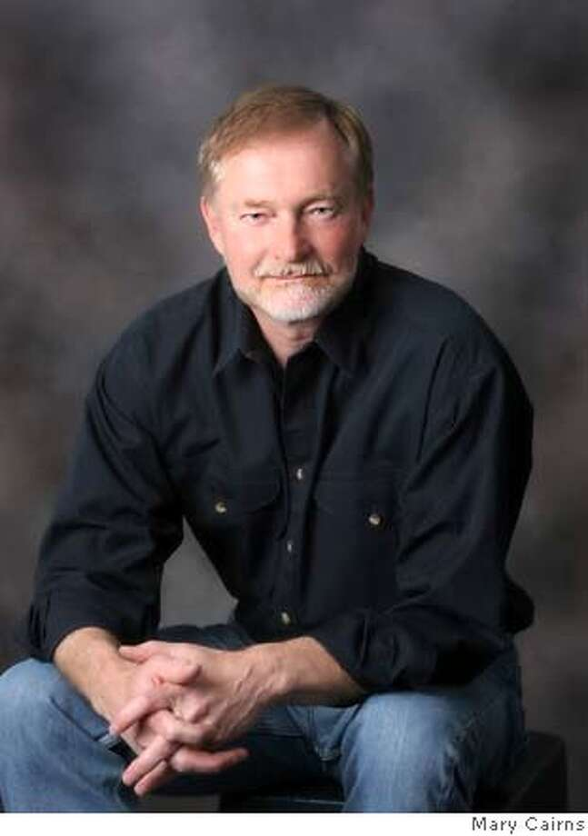 """Erik Larson, author of """"Thunderstruck""""  FOR USE WITH BOOK REVIEW ONLY Photo: Mary Cairns"""