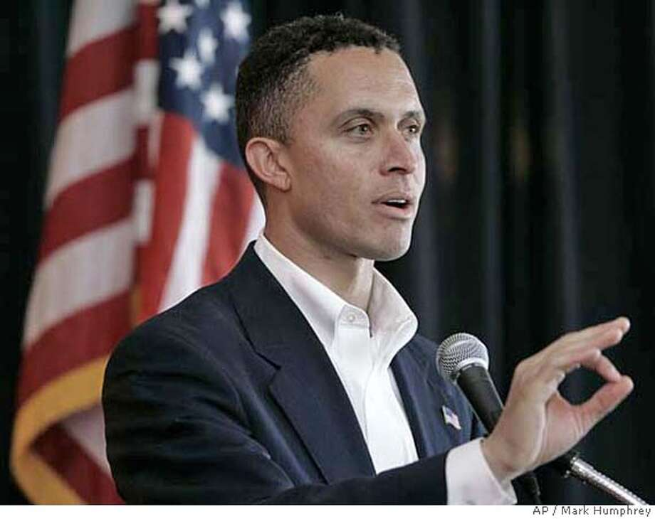 Democratic Senate nominee Harold Ford, Jr. speaks to the Exchange Club of Nashville, Tenn., Tuesday, Oct. 24, 2006. Ford, touting his own record of voting for $3 trillion in tax cuts, attacked Republican opponent Bob Corker for never enacting a tax cut during his political career.(AP Photo/Mark Humphrey) Photo: MARK HUMPHREY