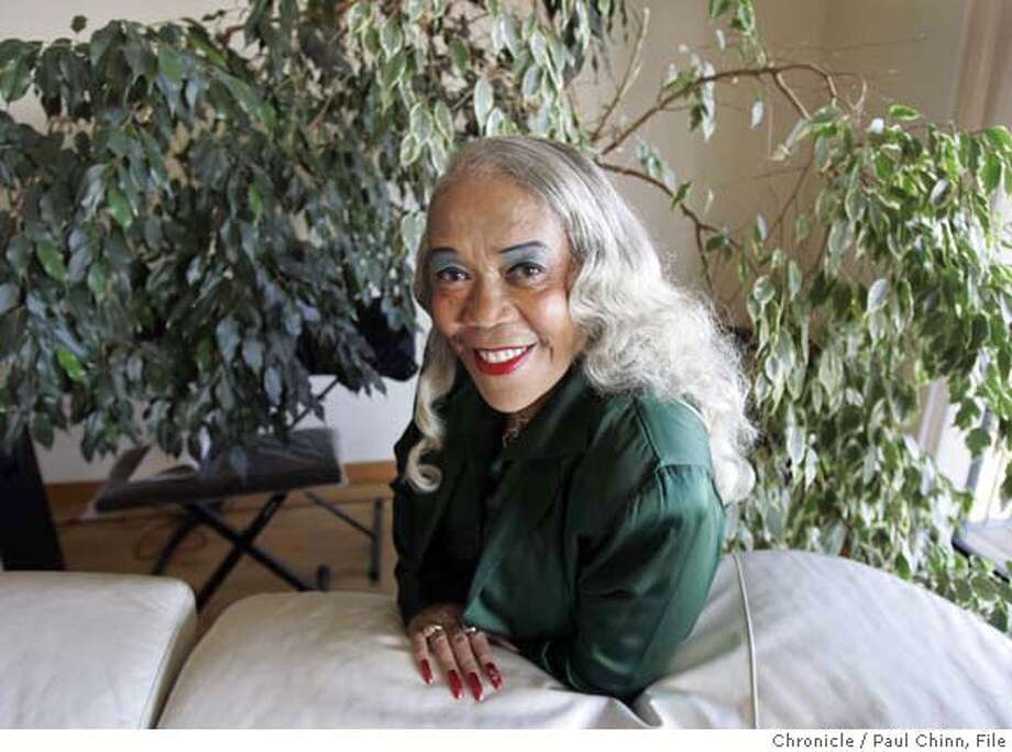 Sugar Pie DeSanto will be headlining this year's San Francisco Blues Festival. DeSanto was at her manager's home on 9/4/04 in Oakland, CA. PAUL CHINN/The Chronicle Photo: PAUL CHINN