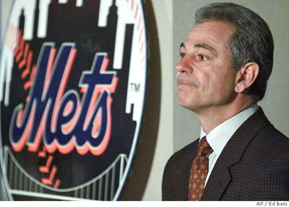 New York Mets manager Bobby Valentine listens to a question during a news conference at Shea Stadium in New York, Tuesday Oct. 31, 2000, where it was announced that both he and general manager Steve Phillips were signed to new three year contracts. (AP Photo/ Ed Betz) DIGITAL IMAGE Photo: ED BETZ
