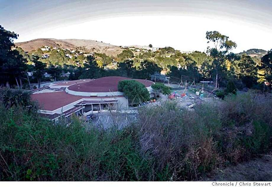 synagogue23_073_cs.jpg  Overview of Congregation Kol Shofar in Tiburon. The synagogue is embroiled in a controversial proposed expansion for the congregation, seen at far right. Chris Stewart / The Chronicle MANDATORY CREDIT FOR PHOTOG AND SF CHRONICLE/ -MAGS OUT Photo: Chris Stewart