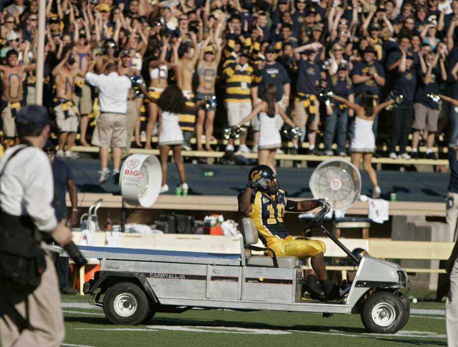FILE — After the Cal win over Washington in 2006, Marshawn Lynch started driving one of the carts around the field. Photo: KURT ROGERS/THE CHRONICLE