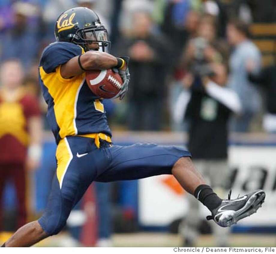 cal_0286_df.jpg  DeSean Jackson scores a touchdown in the second quarter. California Bears vs Minnesota Gophers at Memorial Stadium. Photographed in Berkeley on 9/9/06.  (Deanne Fitzmaurice/ The Chronicle) Mandatory credit for photographer and San Francisco Chronicle. /Magazines out. Photo: Deanne Fitzmaurice
