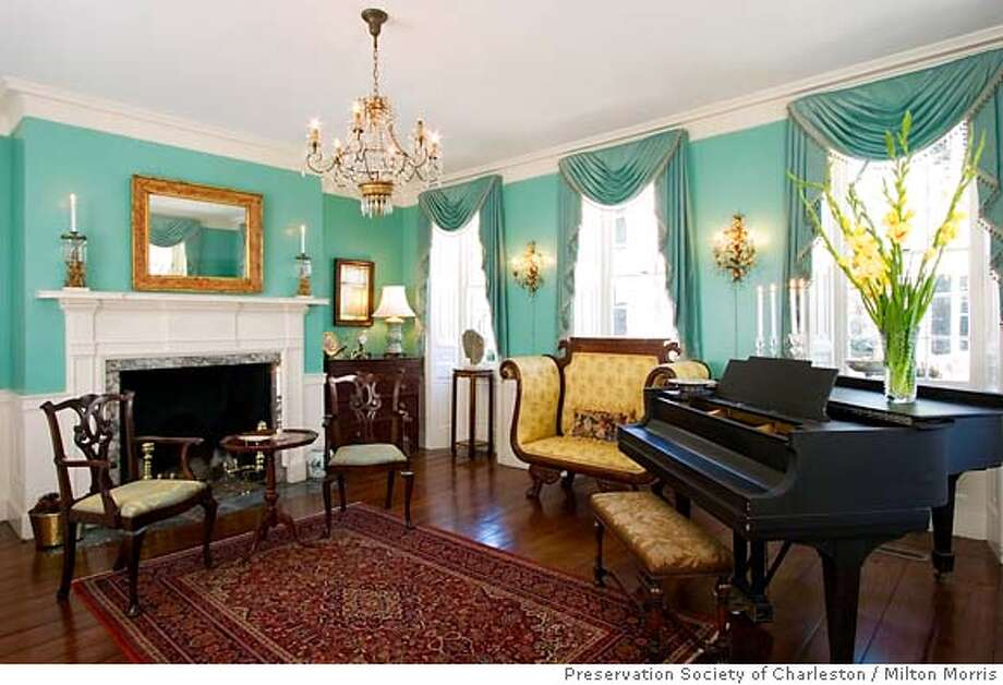 Front parlor of the Grimke/Fraser house. Photo credit: Milton Morris/Preservation Society of Charleston Photo: Milton Morris