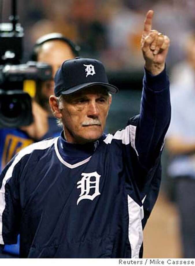 The Detroit Tigers manager Jim Leyland celebrates their 8-3 win against the New York Yankees in game 4 in the American League Division Series in Detroit, Michigan October 7, 2006. The Tigers advance to meet the Oakland Athletics in the American League Championship Series next week. REUTERS/Mike Cassese (UNITED STATES) Photo: MIKE CASSESE