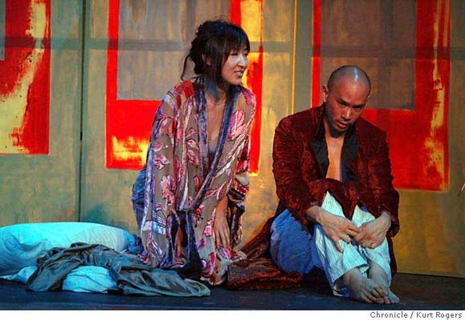 "Philip Glass dance-Opera ""Les Enfants "" Soprano Joohee Choiand Baritone Axel Van Chee.  KURT ROGERS/THE CHRONICLE OAKLAND THE CHRONICLE  SFC ENFANTS_0028_kr.jpg MANDATORY CREDIT FOR PHOTOG AND SF CHRONICLE / -MAGS OUT Photo: KURT ROGERS/THE CHRONICLE"