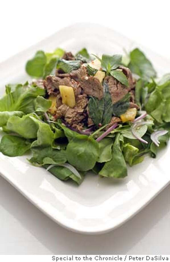 TOP20-SHAKENBEEF_77.jpg Top20 - Vietnamese shaken beef salad. Event on 9/25/06 in San Francisco. Peter DaSilva / The Chronicle MANDATORY CREDIT FOR PHOTOG AND SF CHRONICLE/ -MAGS OUT Photo: Peter DaSilva