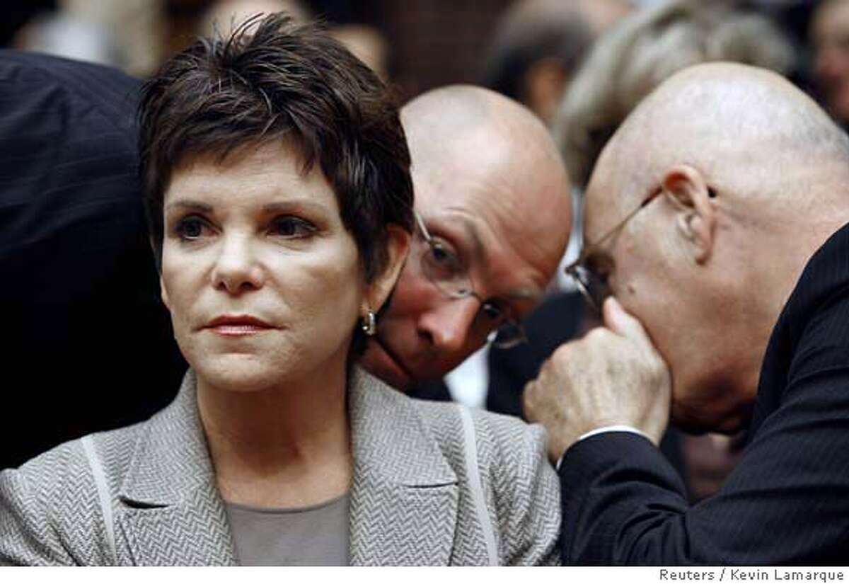 Patricia Dunn, the former chairman of Hewlett-Packard Co., appears before the U.S. House Energy and Commerce Committee in the Hewlett-Packard Co. data privacy hearing on Capitol Hill September 28, 2006. REUTERS/Kevin Lamarque (UNITED STATES) 0