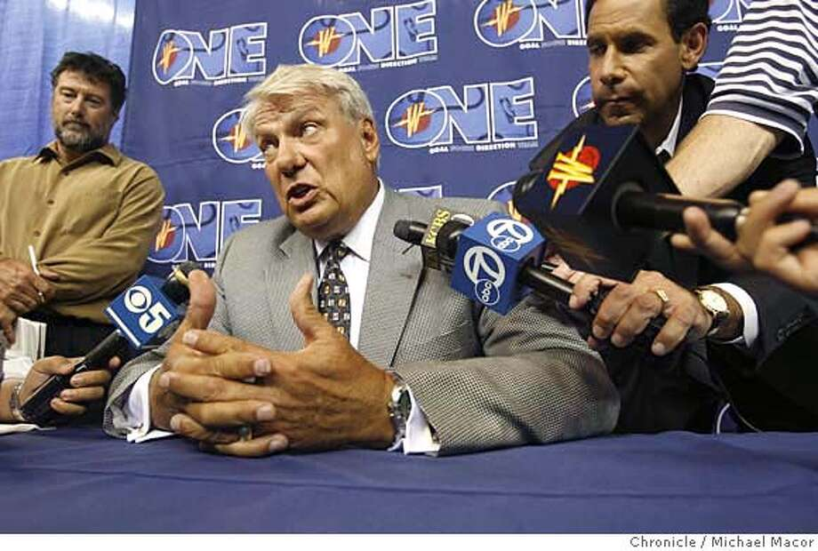 warriors_180_mac.jpg Coach Nelson meets with the news media. The Golden State Warriors have named Don Nelson as the team's new head coach, it was announced today by Executive Vice President of Basketball Operation's Chris Mullin. Event in, Oakland, Ca, on 8/30/06. Photo by: Michael Macor/San Francisco Chronicle Mandatory credit for Photographer and San Francisco Chronicle / Magazines Out Photo: Michael Macor