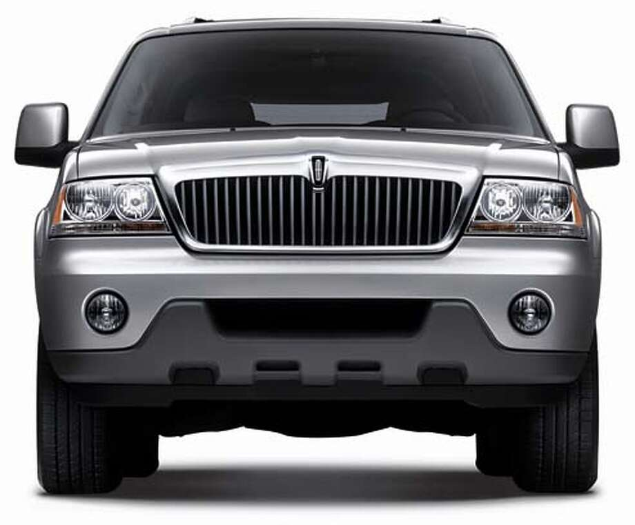 cars26 2004 LINCOLN AVIATOR Photo: HO