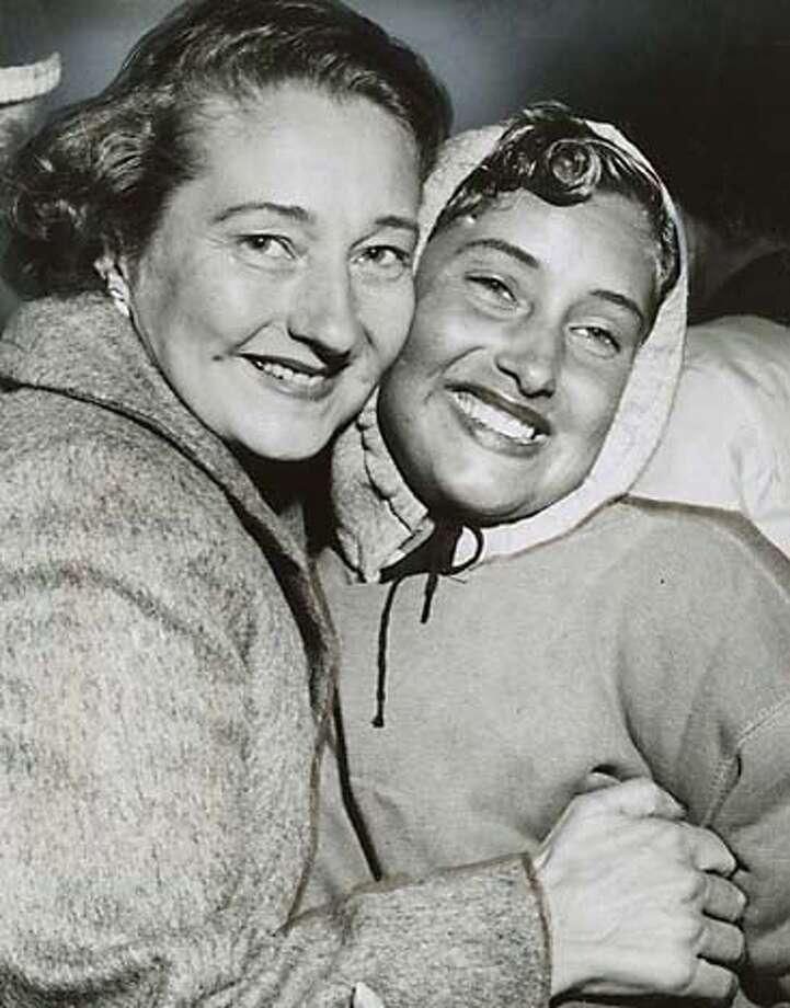 Myra Thompson, right, Farallon swim contest winner, with her mother, Elizabeth Thompson Photo: Joe Rosenthal