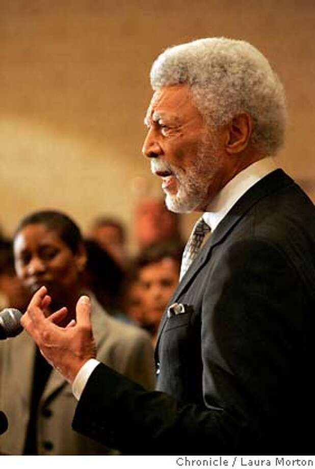 Dellums1044_lm.jpg Ron Dellums, Oakland mayor-elect, speaks at a press conference at the Oakland Marriott on Monday, June 19, 2006 in Oakland, CA. Laura Morton/The Chronicle MANDATORY CREDIT FOR PHOTOGRAPHER AND SAN FRANCISCO CHRONICLE/ -MAGS OUT Photo: Laura Morton