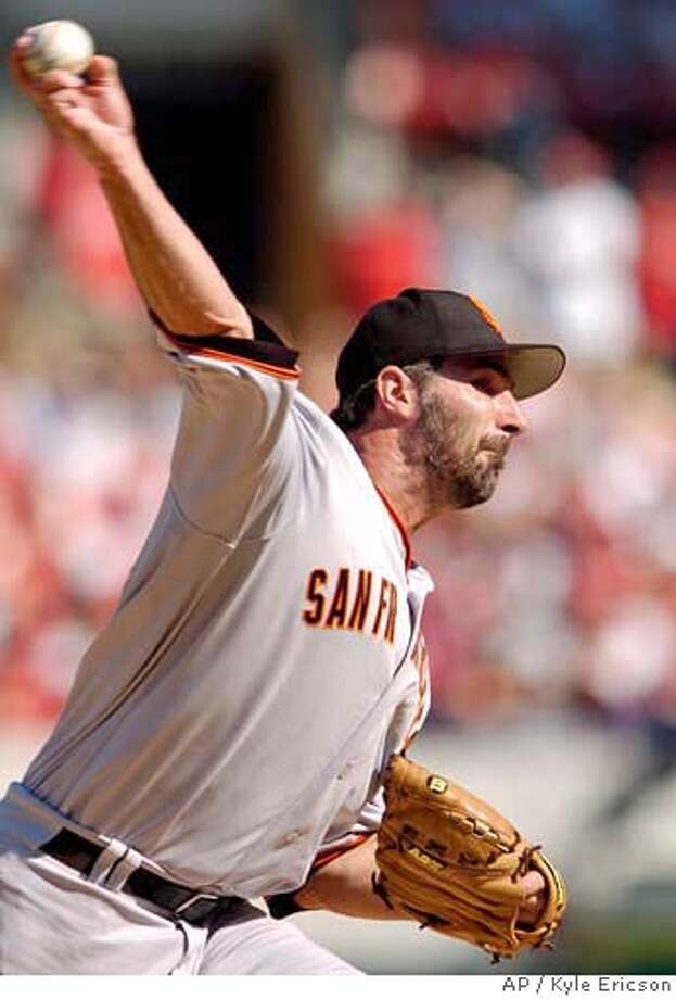 San Francisco Giants' Matt Morris pitches in the first inning against the St. Louis Cardinals during a baseball game Saturday, Sept. 16, 2006, in St. Louis. (AP Photo/Kyle Ericson) Photo: KYLE ERICSON