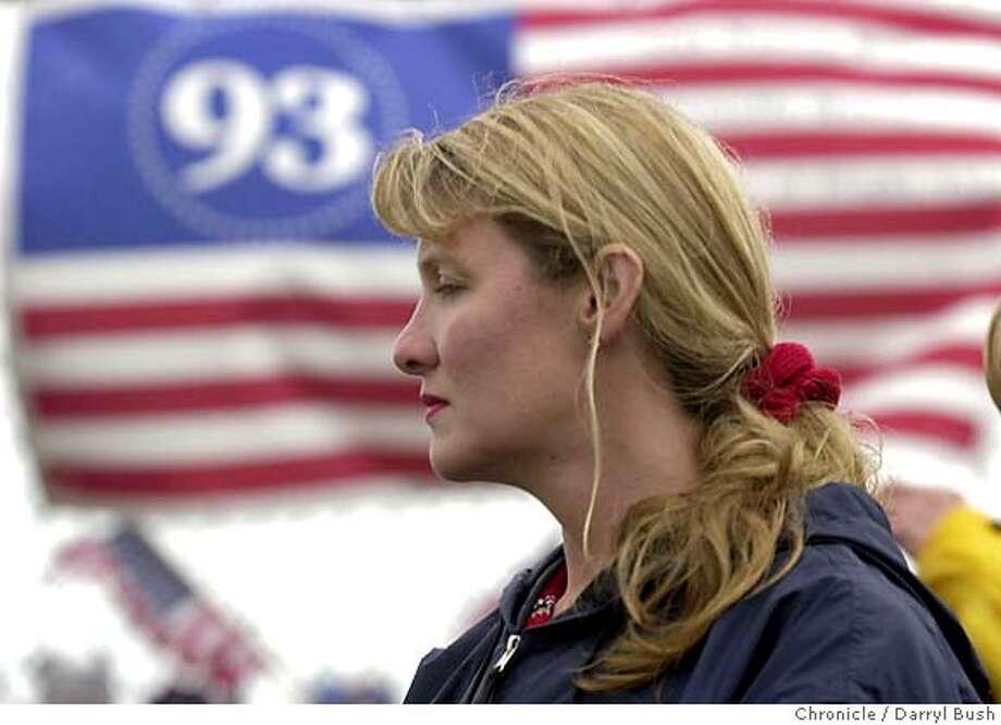 DEENA21I-C-20APR02-MT-DB Deena Burnett, widow of Flight 93 hero, Thomas Burnett Jr., looks out over the crash site near a memorial in Shanksville, PA. Chronicle Photo by Darryl Bush Friday#Friday#Chronicle#8/01/2003#CC#Advance## Photo: Darryl Bush