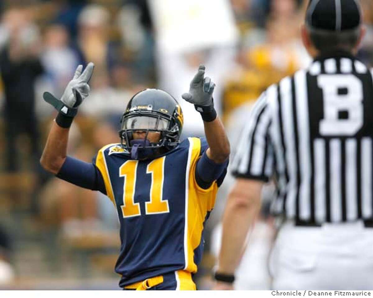 Robert Jordan celebrates his first half touchdown. California Bears vs Minnesota Gophers at Memorial Stadium. Photographed in Berkeley on 9/9/06. (Deanne Fitzmaurice/ The Chronicle)