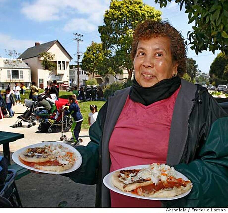 Martina Romos makes pupusas (Salvadoran spicy filled corn tortillas) for the last twenty years sells them in Precita Park, SF on Wednesdays from about 10:30 to 12:30. ****Martina Romos  8/16/06  {Frederic Larson/The Chronicle} MANDATORY CREDIT FOR PHOTOGRAPHER AND SAN FRANCISCO CHRONICLE/ -MAGS OUT Photo: Frederic Larson