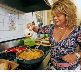 CHEFS09_SCALA_079_cl.JPG  Chef Donna Scala preparing one of her favorite recipes, Pasta alla Giannini.  Craig Lee / The Chronicle MANDATORY CREDIT FOR PHOTOG AND SF CHRONICLE/ -MAGS OUT