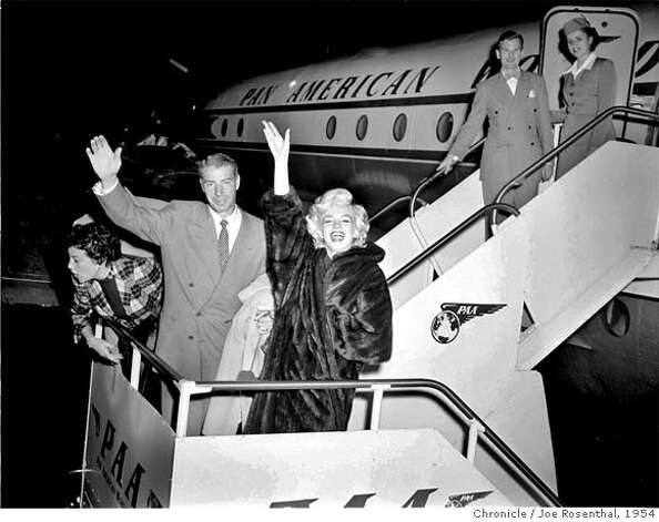 Joe DiMaggio and Marilyn Monroe arrive back in San Francisco on January 24, 1954. They had just returned fromHawaii where they spent their honeymoon. San Francisco Chronicle Photo by Joe Rosenthal Photo: JOE ROSENTHAL
