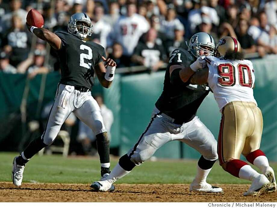 Raiders QB Aaron Brooks throws deep. The Oakland Raiders vs. San Francisco 49ers at McAfee Coliseum in Oakland, Calif. on Sunday, August 20, 2006.  MICHAEL MALONEY/The Chronicle Photo: MICHAEL MALONEY