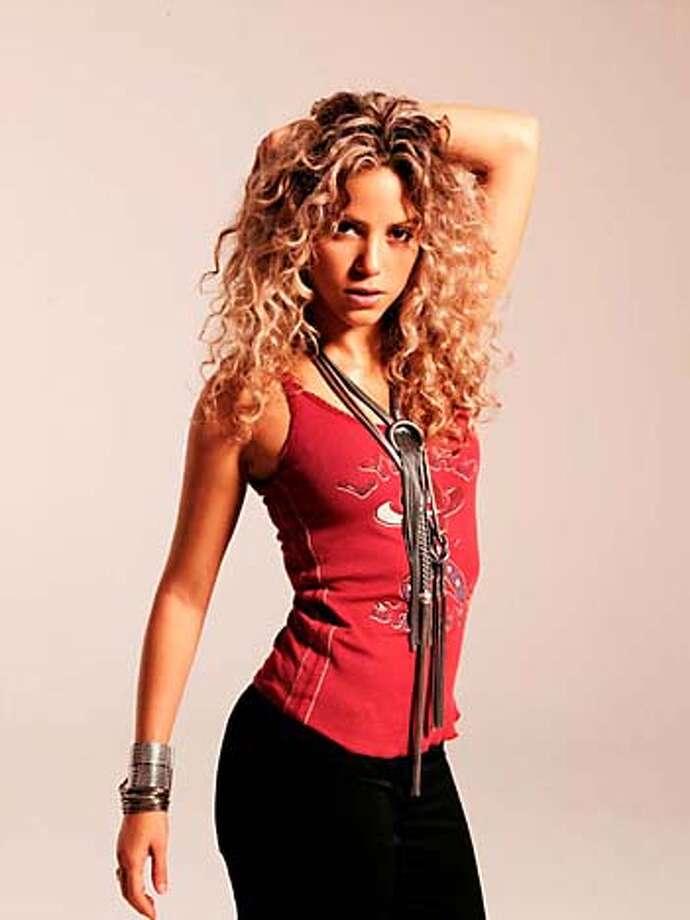Picture 134  Artist Shakira, for pink, aug. 13, 2006 Photo: Fotodigital Laiguana