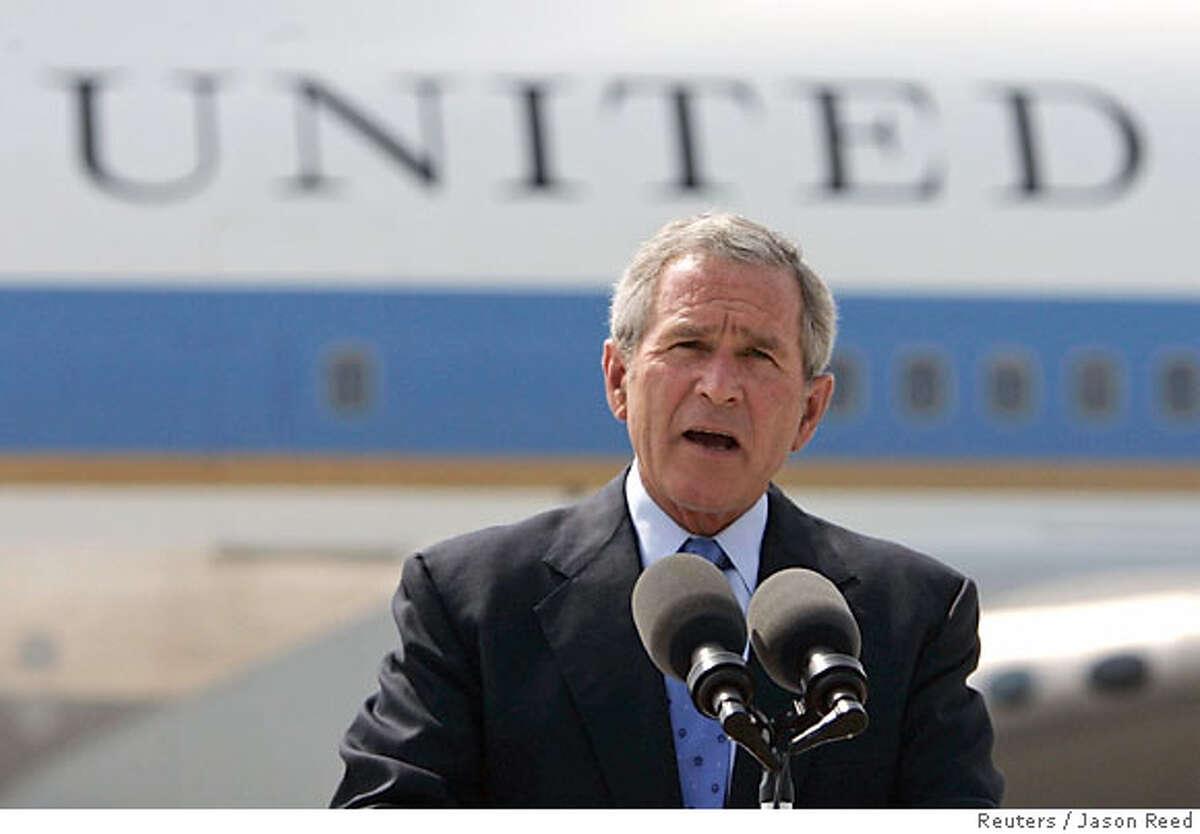 U.S. President Bush speaks in Green Bay