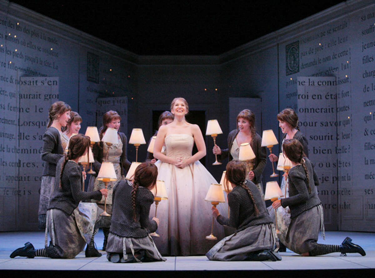 Joyce DiDonato & Ensemble Cinderella Sung in French Music by Jules Massenet Text by Henri Cain Based on the fairy tale by Charles Perrault All photos taken by Ken Howard, � 2006