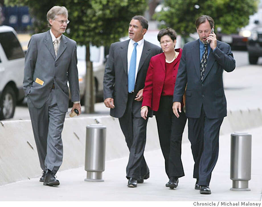 From left : Lance Williams, Chronicle editor Phil Bronstein, Hearst Corp. General Counsel Eve Burton and Mark Fainaru-Wada.  Chronicle reporters Lance Williams and Mark Fainaru-Wada appeared at the Federal Building in San Francisco this morning for a hearing regarding their refusal to testify in the Barry Bonds grand jury proceedings. Photo by Michael Maloney / San Francisco Chronicle on 8/4/06 in SAN FRANCISCO,CA Photo: Michael Maloney
