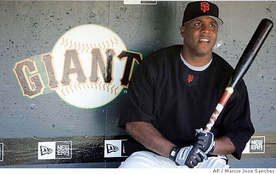 San Francisco Giants slugger Barry Bonds prepares to take batting practice before a baseball game against the San Diego Padres on Friday, July 21, 2006 in San Francisco. (AP Photo/Marcio Jose Sanchez) Photo: MARCIO JOSE SANCHEZ