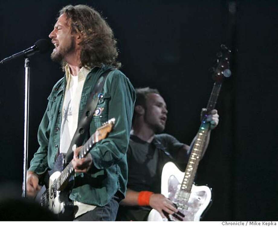pearl17388_mk.JPG Eddie Vedder of Pearl Jam performs for a sold-out crowd. Pearl Jam and Sonic Youth rock the Bill Graham Civic Auditorium in San Francisco, CA Saturday July 15, 2006. Mike Kepka / The Chronicle MANDATORY CREDIT FOR PHOTOG AND SF CHRONICLE/ -MAGS OUT Photo: Mike Kepka