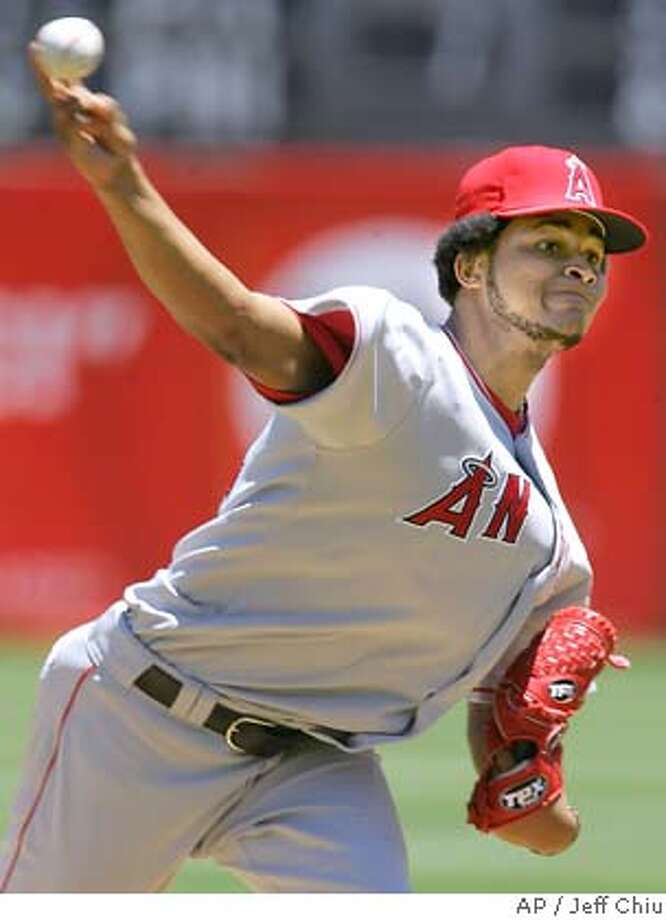 Los Angeles Angels' Ervin Santana pitches to the Oakland Athletics in the first inning of their baseball game in Oakland, Calif., Sunday, July 9, 2006. (AP Photo/Jeff Chiu) Photo: JEFF CHIU