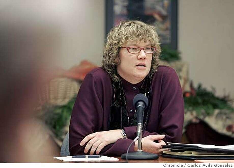 UCSC15_003_CAG.JPG  New chancellor of UC Santa Cruz, Denice Denton, at a press conference in Oakland, Ca., on Tuesday, December 14, 2004. Ran on: 12-15-2004  Denice Dee Denton Ran on: 12-15-2004  Denice Dee Denton Ran on: 11-14-2005 Ran on: 11-14-2005 Ran on: 11-14-2005 Photo: Carlos Avila Gonzalez