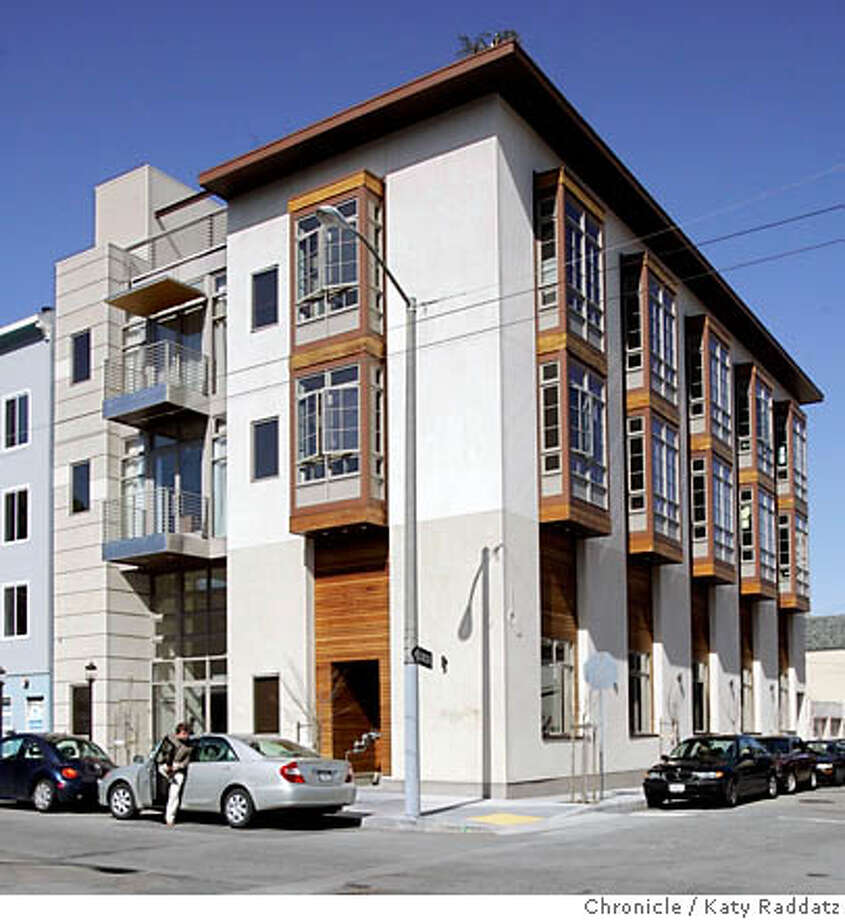 AGESONG23_007_RAD.JPG SHOWN: The building at 624 Laguna St. in San Francisco. AgeSong is a special type of elder care community in Hayes Valley, San Francisco. AgeSong's success is based on 2 ideas: older people will thrive in a managed care home if it's designed to resemble living in their own homes, and, when elder care communities are designed to be good architectural neighbors, they will be welcome in mixed-use settings. Both are proving true. Photo taken on 4/18/06, in San Francisco, CA.  By Katy Raddatz}/The San Francisco Chronicle Mandatory credit for photographer and The San Francisco Chronicle/ -Mags out Photo: Katy Raddatz