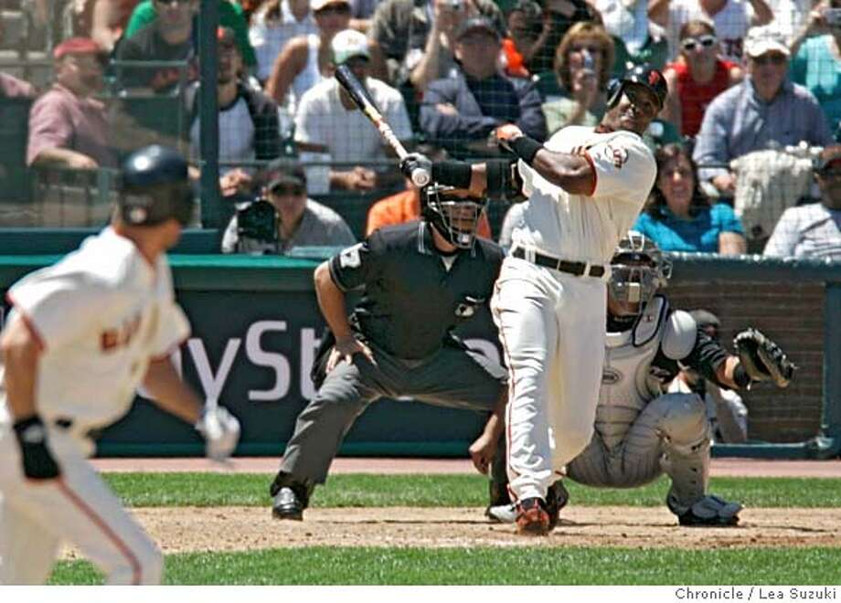 giants_252_ls.jpg Barry Bonds hits home run number 715 in the bottom of the 4th on Sunday, 5/28/06. Colorado Rockies vs San Francisco Giants. Photo taken on 5/28/06 in San Francisco, CA.  ** cq  (Photo by Lea Suzuki/ The Chronicle) MANDATORY CREDIT FOR PHOTOG AND SF CHRONICLE/ -MAGS OUT. Photo: Lea Suzuki