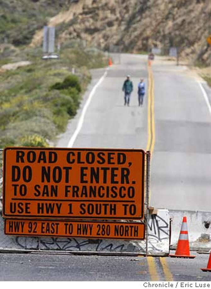 devilslide_0126_el.jpg Devils Slide on Hwy1 is closed just above Montaro. Half Moon Bay having an impact from lack of with tourists But The first big holiday weekend since Highway 1 at Devil�s Slide was shut down due to a rock slide. Photographed on May 27, 2006.  Eric Luse/The Chronicle Photo: Eric Luse