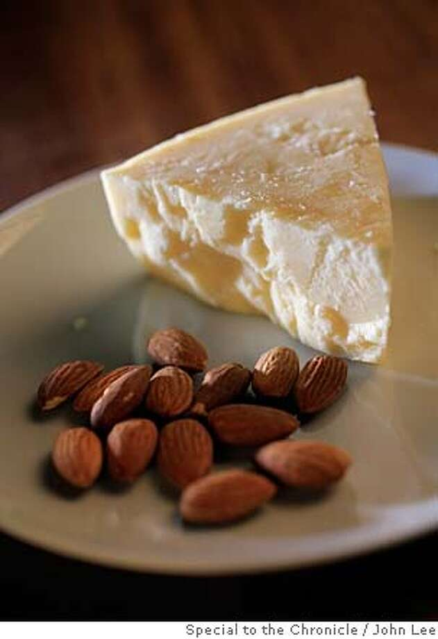 CHEESE19_04_JOHNLEE.JPG  Vella Daisy cheddar cheese.  By JOHN LEE/SPECIAL TO THE CHRONICLE Photo: JOHN LEE