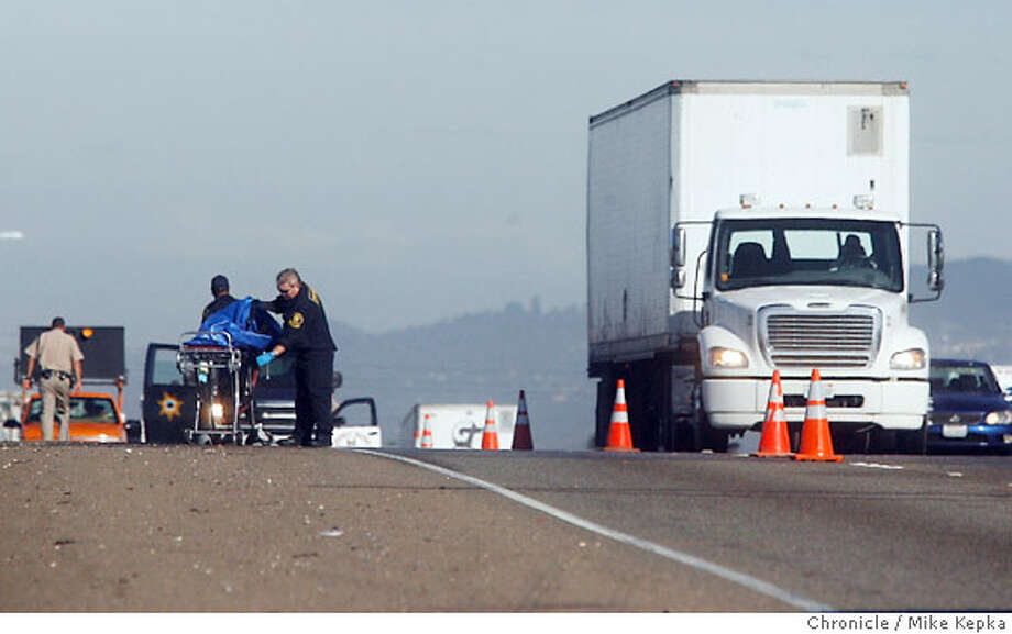 Near the A Street onramp to Interstate 880 Southbound in Hayward, Calif., CHP, the Alameda County Coroners office and CalTrans responded to an accident involving a pedestrian described as a 53-year-old, hispanic, male and possibly several cars. All lanes of 880 southbound were closed for about 2 hours. Mike Kepka / The Chronicle Photo taken on 10/11/07, in Hayward, CA, USA Photo: Mike Kepka