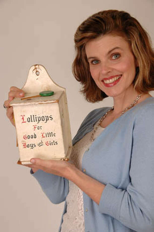 Caitlin Flanagan, staff writer for The New Yorker, photographed at her home in Los Angeles, CA on April 5, 2006. Photographed by Mark Savage. Photo: Mark Savage