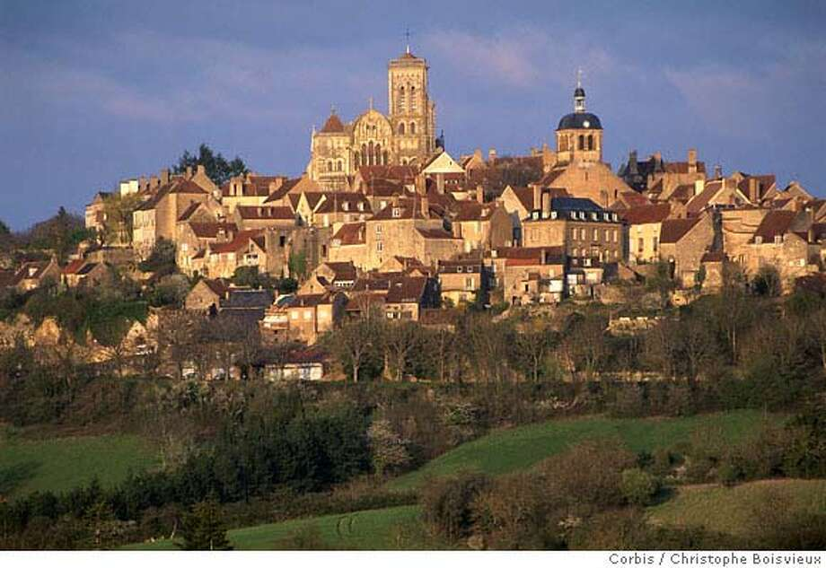 Vezelay, France --- Scenic View of Vezelay --- Image by � Christophe Boisvieux/Corbis Photo: Christophe Boisvieux