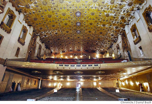 The inside of the Fox Oakland Theater. The city of Oakland has raised $39 million to remake the Fox Oakland Theater and create asurrounding campus for the Oakland school for the arts. Event on 3/21/06 in Oakland.  Darryl Bush / The Chronicle Photo: Darryl Bush